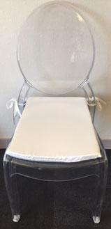 Chaise translucide avec coussin